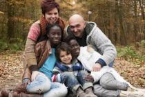 В мире усыновляют все меньше детей из-за границы