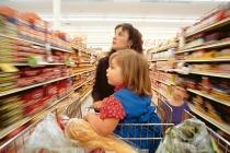 Як привчити прийомних дітей цінувати речі і гроші