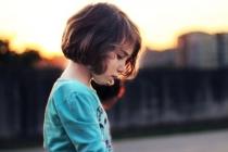 «Дурнику ти мій»: Механізм знецінення в системі батьківсько-дитячих відносин